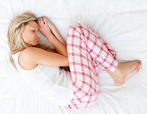Posición para dormir fetal