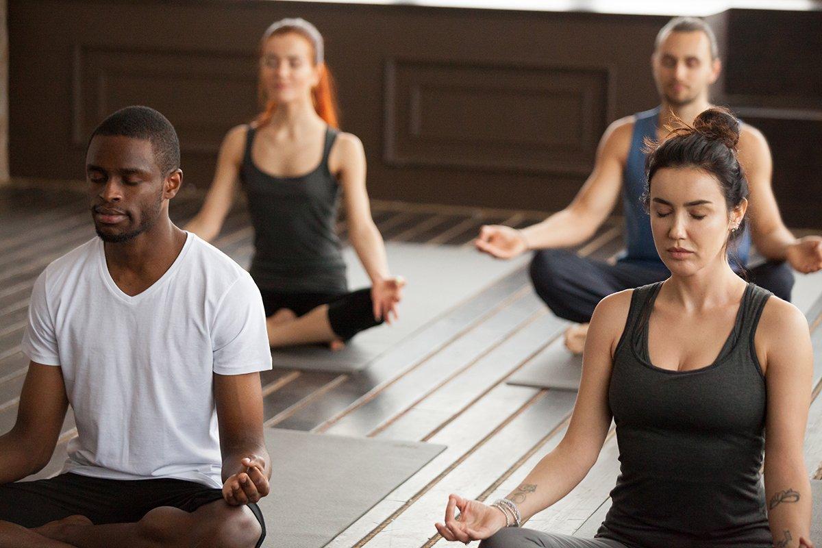 7 Posturas de Yoga para mejorar la calidad de tu descanso